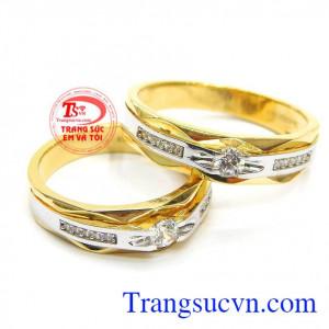 Đôi nhẫn cưới tình yêu son sắc