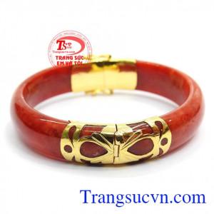 Vòng ngọc nữ bọc vàng,Vòng ngọc vừa sang trọng vừa quý phái rất hợp với các trang phục áo dài truyền thống.