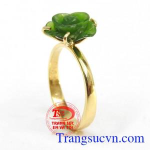 Nhẫn nữ hoa hồng Nephrite