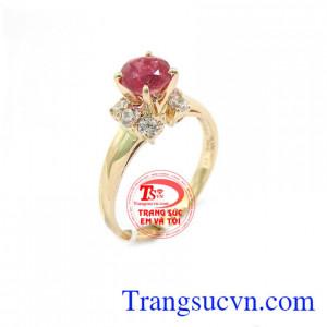 Nhẫn nữ Ruby may mắn