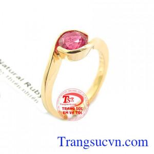 Nhẫn nữ ruby hoàng gia