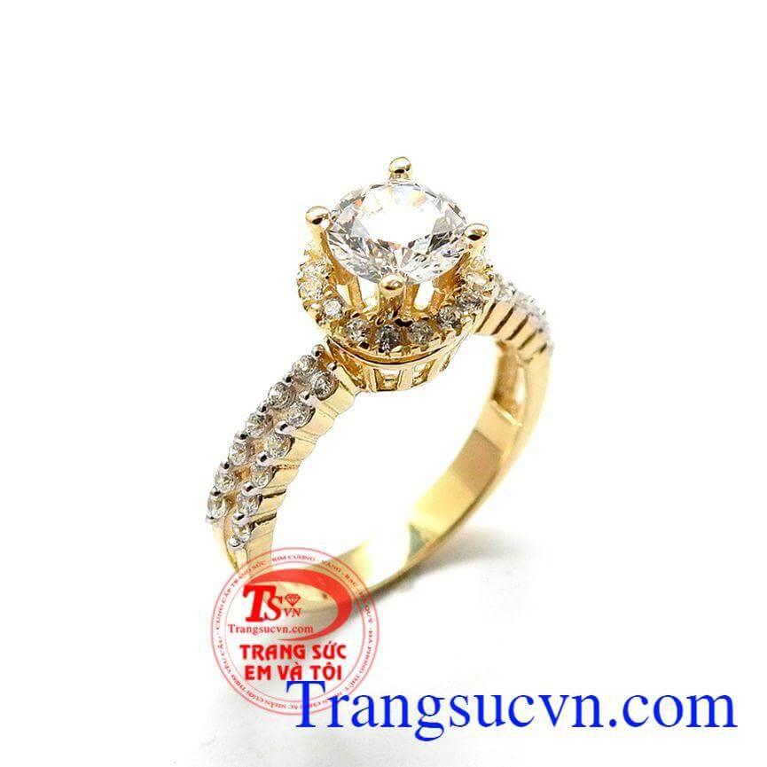 Nhẫn nữ hạnh phúc đẹp