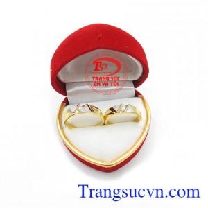 Nhẫn cưới vàng vàng tây đẹp sang trọng tinh tế cho đôi bạn trẻ