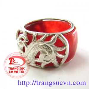 Nhẫn rồng đỏ nhiều cỡ tay