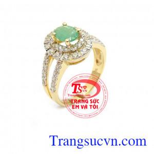 Nhân nữ emerald thiên nhiên