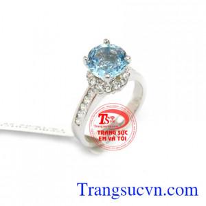 Nhẫn Topaz sang trọng là sản phẩm nhẫn nữ được đính đá Topaz thiên nhiên