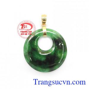 Mặt dây ngọc jadeite