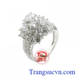 Nhẫn nữ quý phái vàng 18k