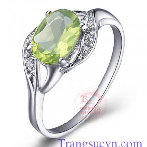 Nhẫn đá peridot đẹp