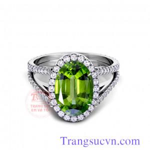 Nhẫn vàng trắng peridot