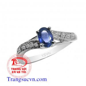 Nhẫn nữ đẹp-Saphir thiên nhiên