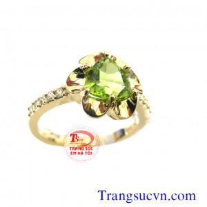 Nhẫn nữ peridot