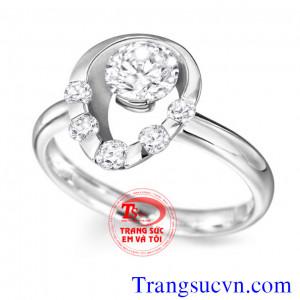 Nhẫn nữ topaz trắng đẹp