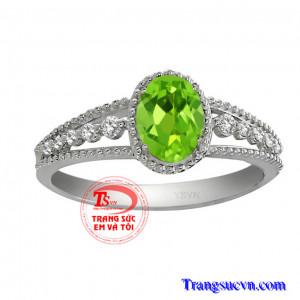 Nhẫn peridot đẹp vàng trắng 10k
