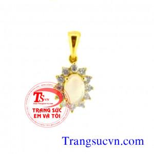 Opal úc đẹp vàng trắng