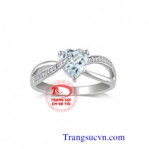Nhẫn vàng trắng Aquamarine tự nhiên