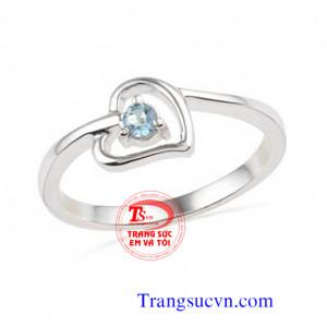 Nhẫn trái tim nữ vàng tây