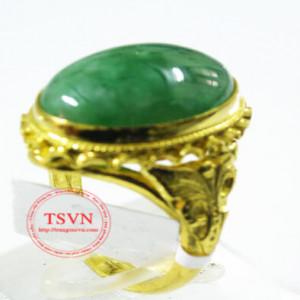 Nhẫn vàng gắn ngọc cẩm thạch