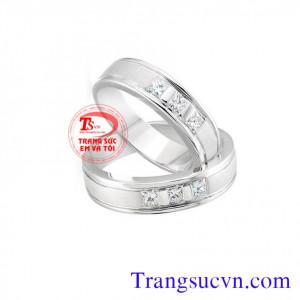 Cặp nhẫn cưới vàng trăng vuông