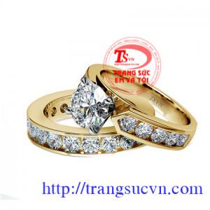 Cặp nhẫn cưới gắn kim cương thiên nhiên