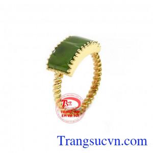 Nhẫn cẩm thạch kiêu sa