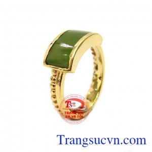 Nhẫn cẩm thạch sang trọng