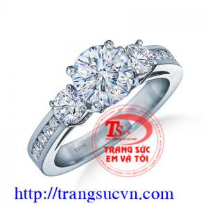 Đinh hôn nhẫn kim cương