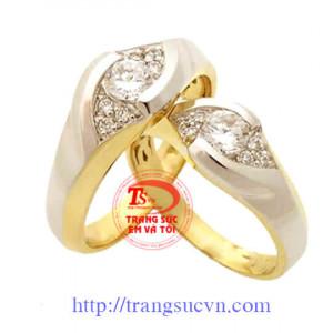 Nhẫn cưới hột xoàn
