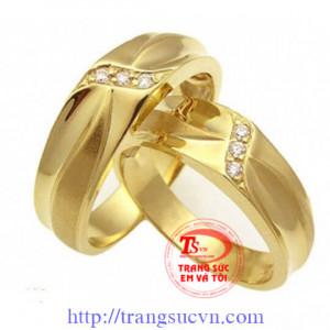 Nhẫn cưới kim cương-vàng tây