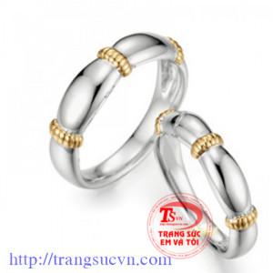 Nhẫn cưới trơn nút