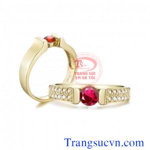 Nhẫn cưới đá đỏ