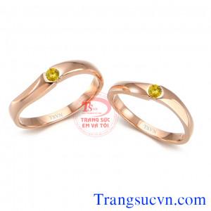 Nhẫn cưới sapphire vàng hot