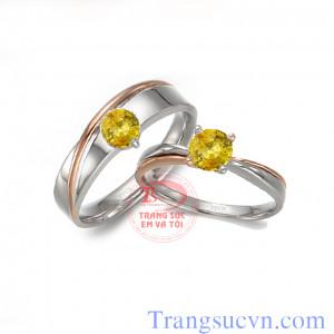 Nhẫn cưới đá sapphire vàng