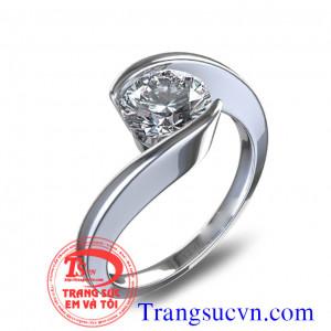 Nhẫn nữ kim cương đính hôn