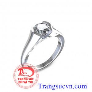 Nhẫn vàng trắng kim cương