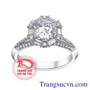 Nhẫn kim cương nữ hoàng