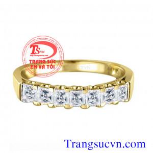 Nhẫn vàng kim cương