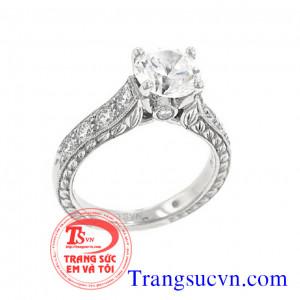 Nhẫn nữ cầu kỹ vàng trăng kim cương