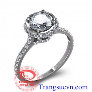 Nhẫn nữ gắn kim cương