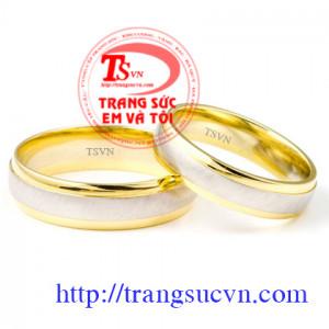Nhẫn cưới uyên ương