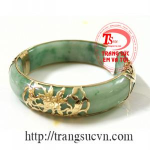 Vòng ngọc jadeite dát vàng