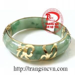 Vòng ngọc jadeite lá hẹ-dát vàng