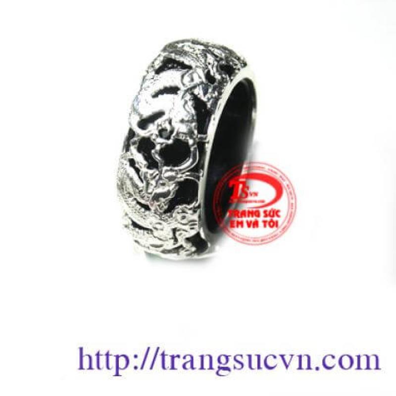 Nhẫn mã não đen bọc bạc