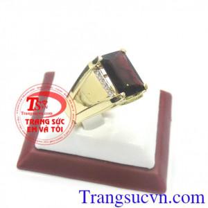 Nhẫn vàng Garnet mệnh Hỏa