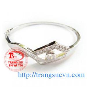 lắc bạc kim cương nhân tạo