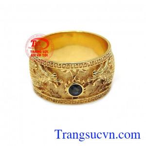 Mặt nhẫn được gắn đá sapphire cao cấp