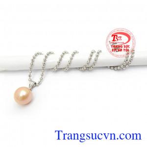 Bộ Dây Nữ Ngọc Trai Sang Trọng mang lại sự tinh tế, thời trang và quý phái cho phái đẹp, là món quà tuyệt vời cho một nửa yêu thương