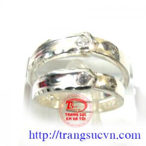 Nhẫn đôi gắn đá