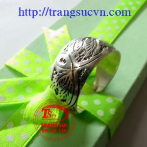 Nhẫn đeo ngón chân, ngón tay