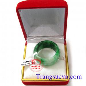 Nhẫn miến điện ngọc jadeite